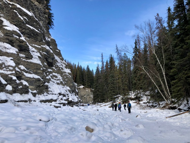 Maligne Canyon hike in winter