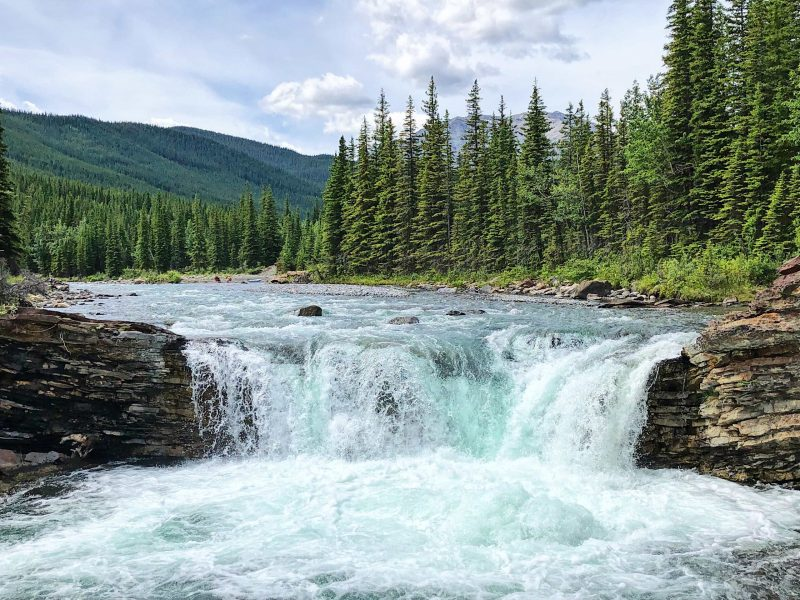 10 Waterfalls in Alberta That You Should See