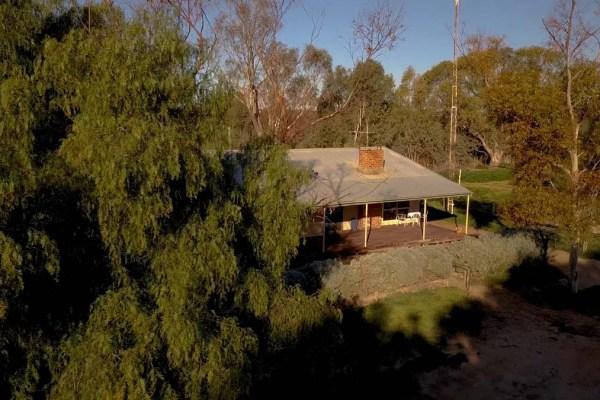 Duffs Cottage Lake Paika Outback Accomodation