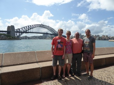 Family & Sydney Harbour Bridge