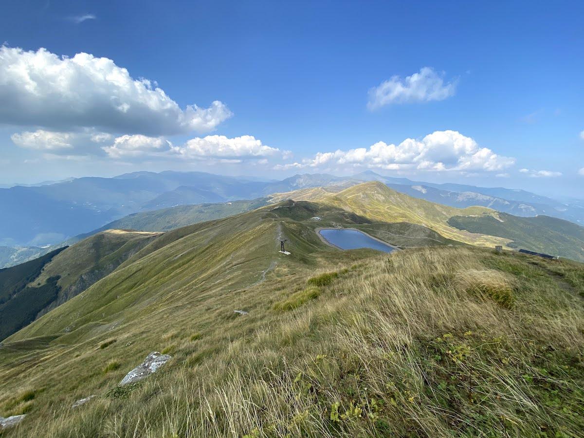 Il lago scaffaiolo dal monte Cupolino