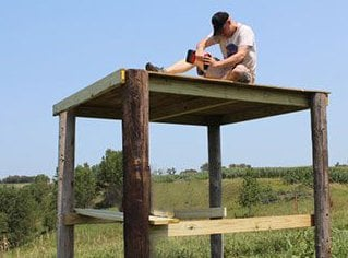 Diy how to build a deer blind easy step by step outdoorever how to build a deer blind solutioingenieria Image collections