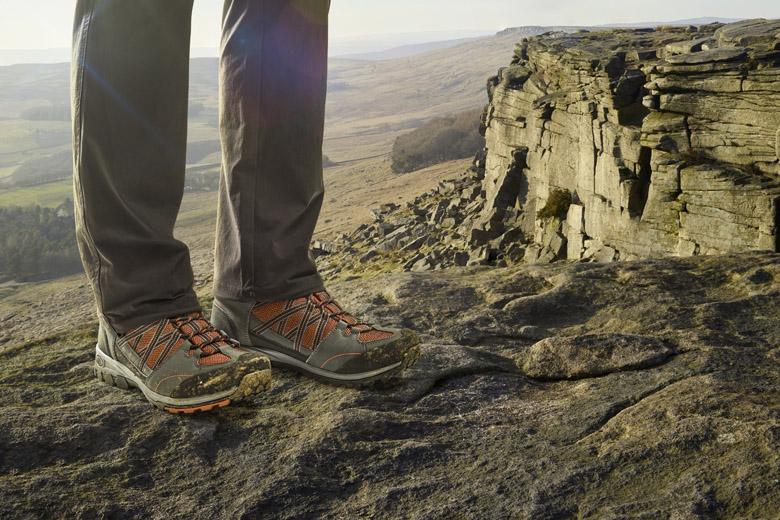 De Regatta Samaris Mid is geschikt voor vlakke paden tot lichte bergwandelingen.