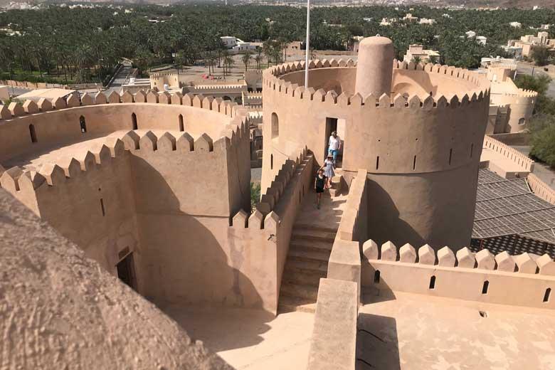 In het hart van Ar Rustaq staat een van de mooiste kastelen van Oman.