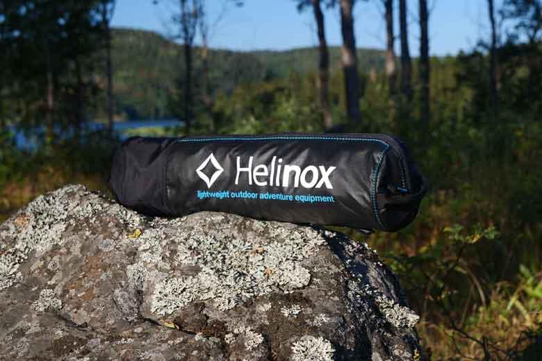 De Helinox Table One wordt geleverd in een goede pakzak.