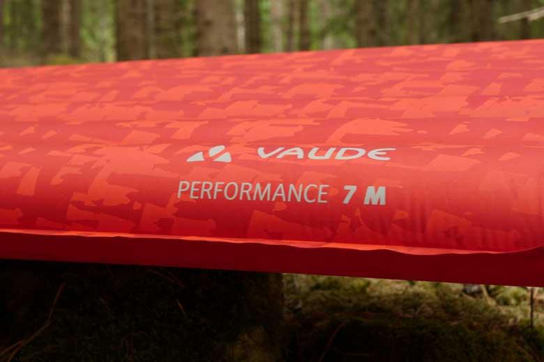 Ik test hier de Medium variant van de Vaude Performance 7. De maat: 51 x 183 x 7 cm.