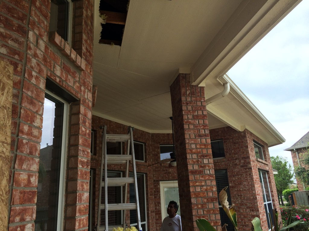 High Wood Patio Ceiling Makes This Houston Outdoor Room Soar