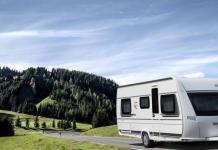 Wohnwagen oder Wohnmobil mit Kindern