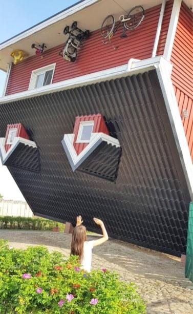 Haus auf dem Kopf das verrückte Haus Bispingen