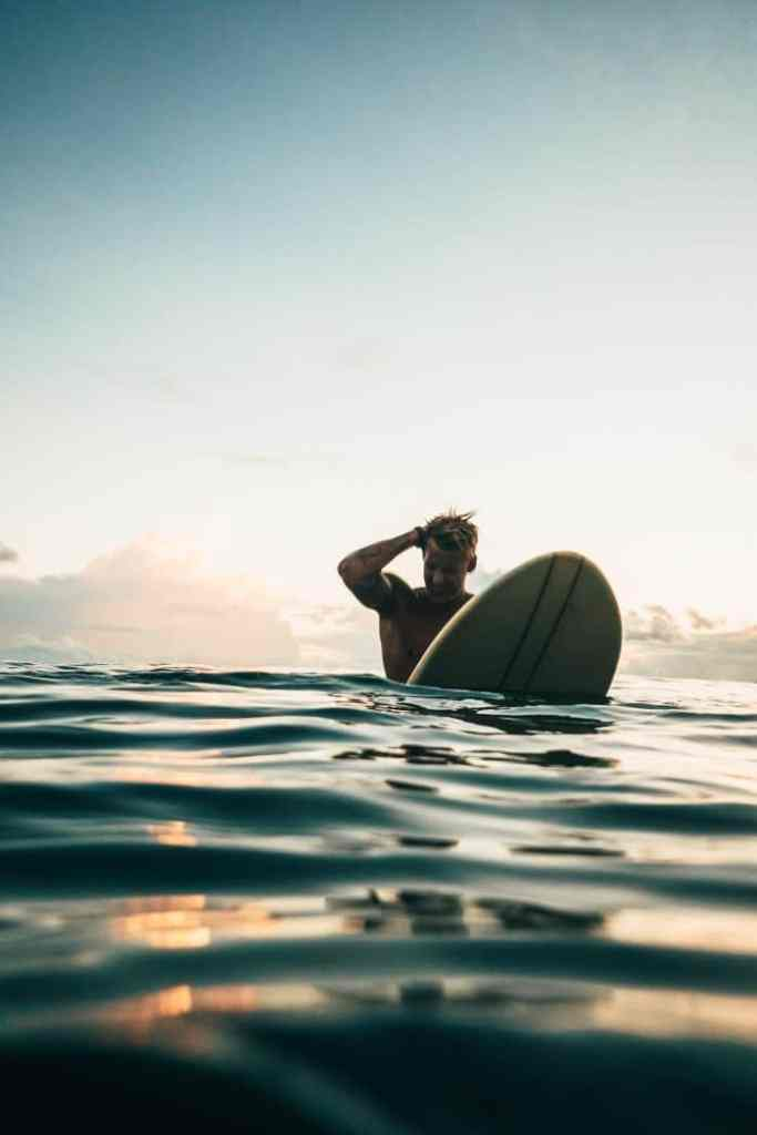 How to Surf Longboard for Beginners
