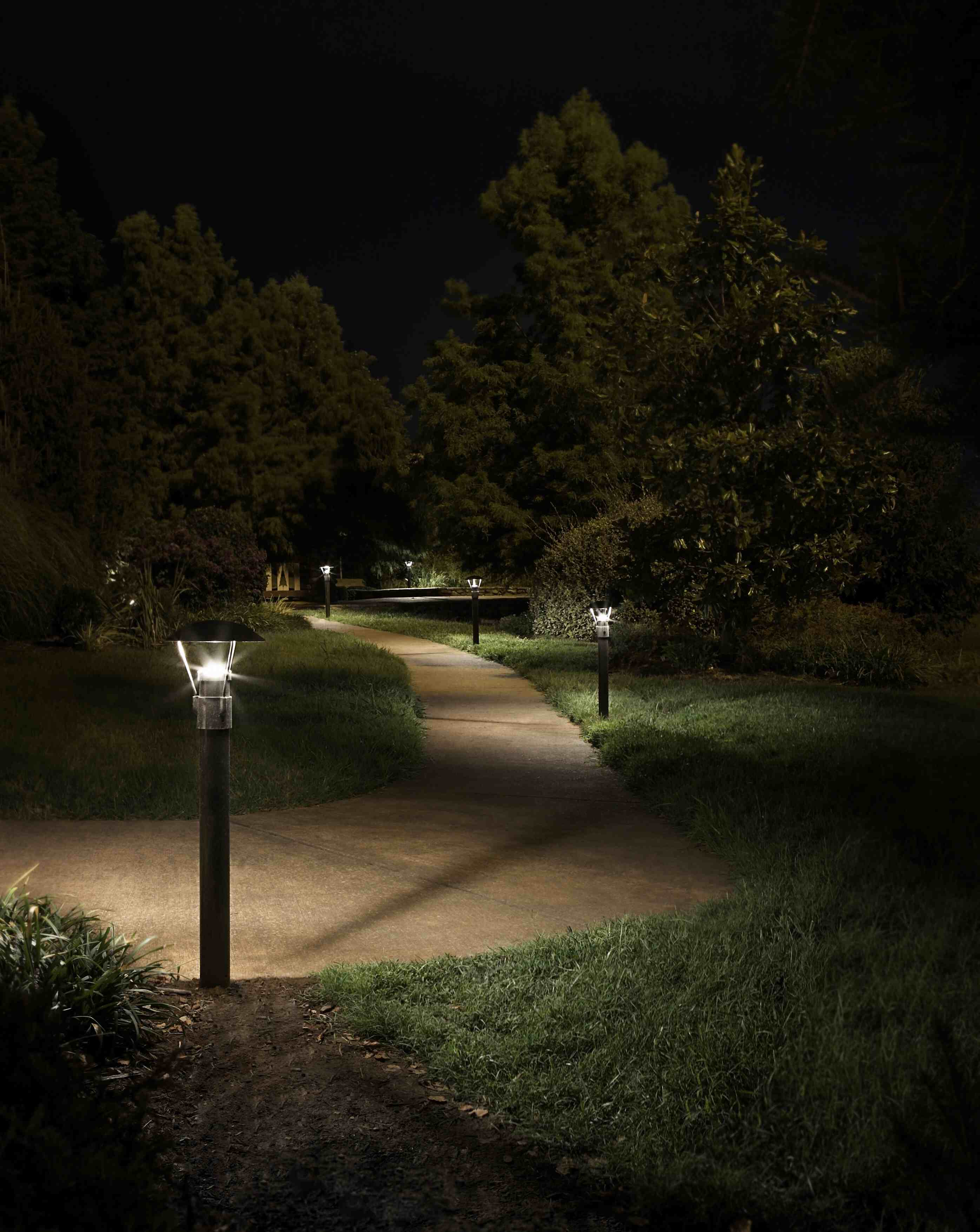 LC 7 Bollard Night Park