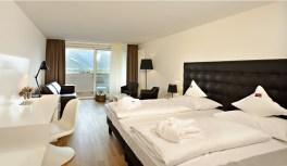 (c) Hotel Tyrol