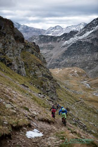 Endlose Naturtrails im Stelvio National Trail Park