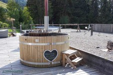 HotTub_Wellness_Swiss_Alpine_Lodge_Rinderberg_Outdoormind
