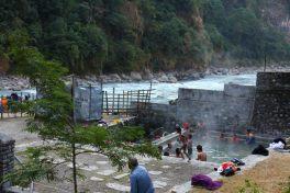 Quellen in Tatopani