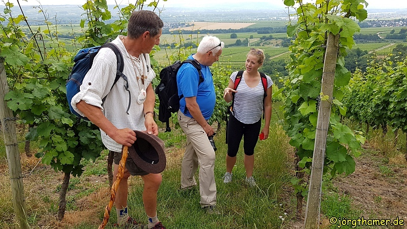Pilgern im Rheingau - Weinkönigin Tatjana Schmidt