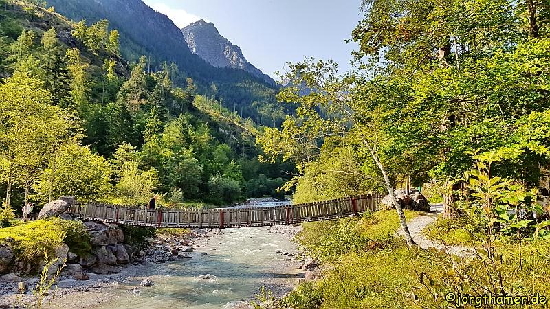 Wandern in den Kitzbüheler Alpen - Brücke an der Vorderkaserklamm