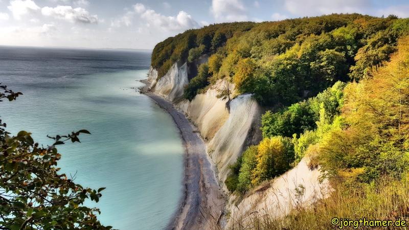 Blick auf die berühmten Kreidefelsen im Nationalpark Jasmund