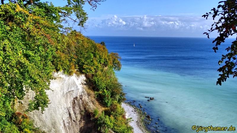 Wandern auf Rügen - Blick auf die Kreidefelsen
