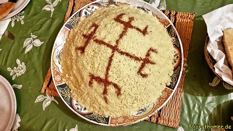Couscous mit Verzierung