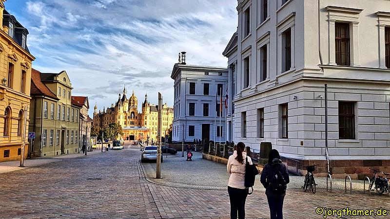 Schloss Schwerin von der Altstadt aus