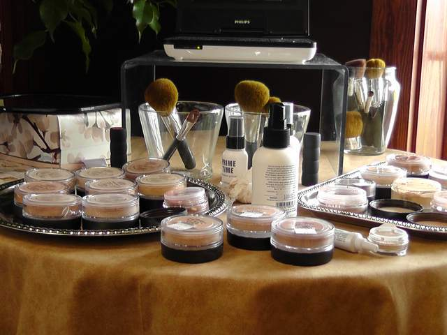 Outer-Banks-Hair-Salon-Bare-Minerals