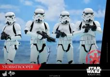 hot-toys-rogue-one-stormtrooper-001