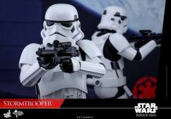 hot-toys-rogue-one-stormtrooper-005