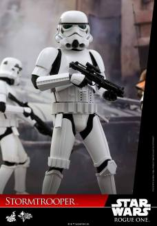 hot-toys-rogue-one-stormtrooper-010