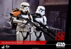 hot-toys-rogue-one-stormtrooper-set-008