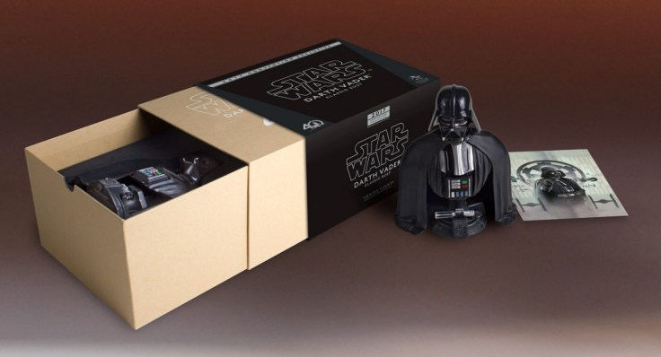 SDCC-2017-Darth-Vader-Bust-013