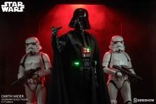 star-wars-darth-vader-legendary-scale-figure-400103-04
