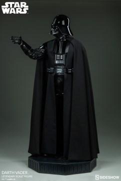 star-wars-darth-vader-legendary-scale-figure-400103-06