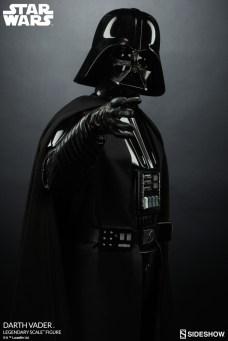 star-wars-darth-vader-legendary-scale-figure-400103-09