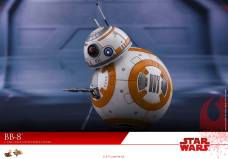 Hot-Toys-The-Last-Jedi-BB-8-004