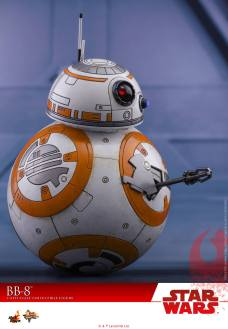 Hot-Toys-The-Last-Jedi-BB-8-005
