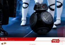 Hot-Toys-The-Last-Jedi-BB-9E-009