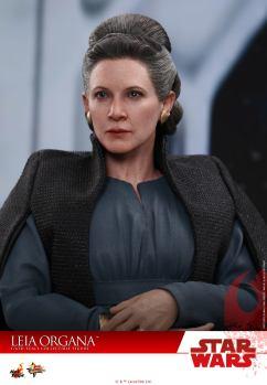Hot-Toys-Last-Jedi-Leia-003