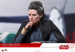 Hot-Toys-Last-Jedi-Leia-005