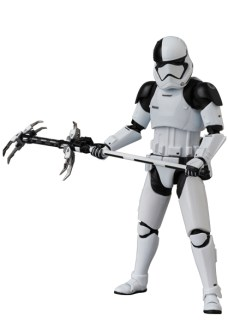 MAFEX-Last-Jedi-Executioner-Trooper-005