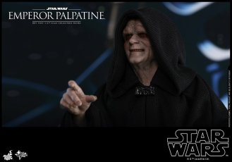 Hot-Toys-Star-Wars-Emperor-Palpatine-005