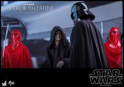 Hot-Toys-Star-Wars-Emperor-Palpatine-Deluxe-007