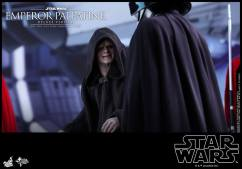 Hot-Toys-Star-Wars-Emperor-Palpatine-Deluxe-012