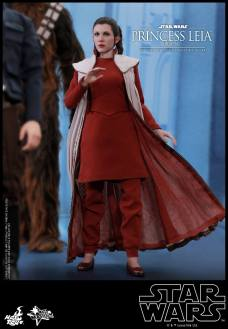 Hot-Toys-Bespin-Princess-Leia-014