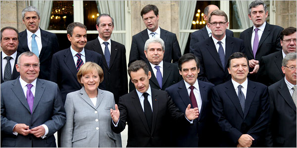 Government leaders from the major European Union members posed on the steps of the Élysée Palace in Paris on Sunday during their economic summit.