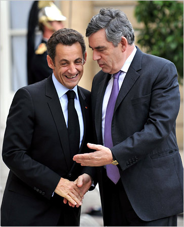 President Nicolas Sarkozy of France, left, welcomed Prime Minister Gordon Brown of Britain to the Élysée Palace