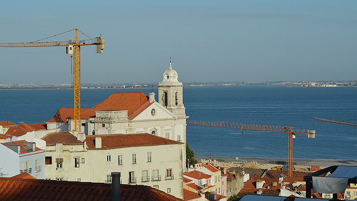 Alfama, Lisboa - Out the Cave
