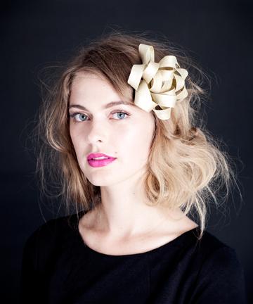 Gift bow hair fascinator