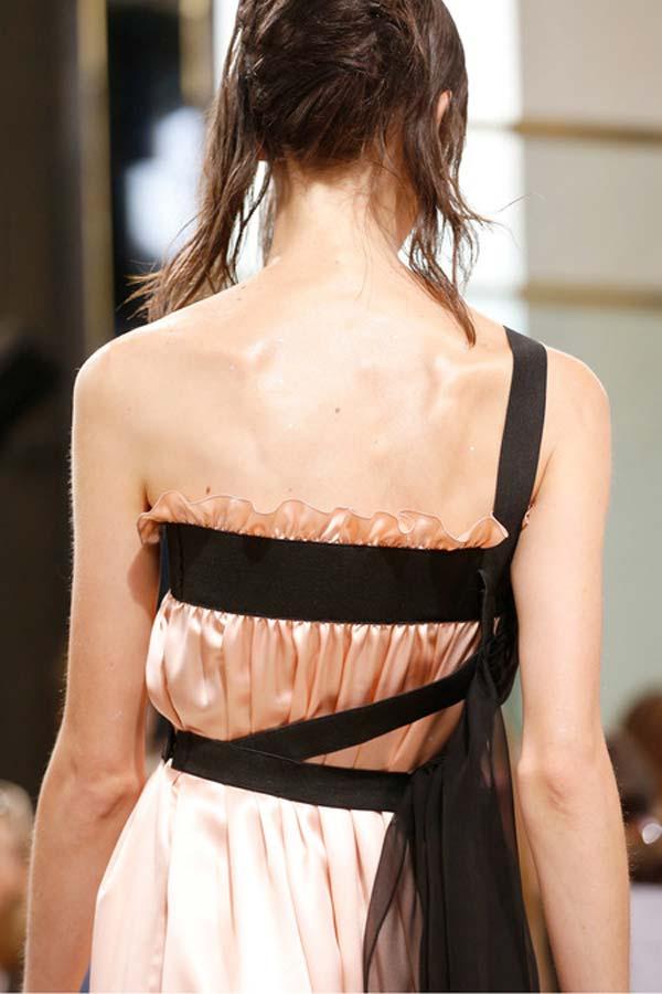 Maison-Martin-Margiela-Summer-RTW-2014-6-scarf-harness