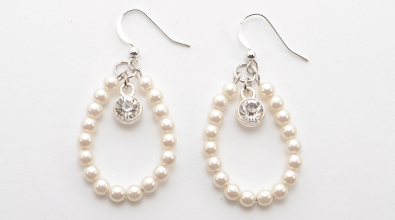 StudsandPearls_ehowstyle_pearlteardropearrings